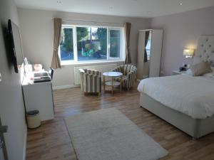 Coombe Dale Accommodation, Bed & Breakfast  Lulsgate Bottom - big - 18
