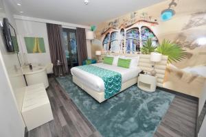 Nekuřácký pokoj typu Executive s manželskou postelí velikosti Queen