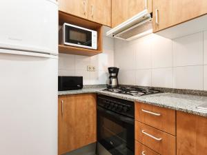Standard Two-Bedroom Apartment (4 Adults)