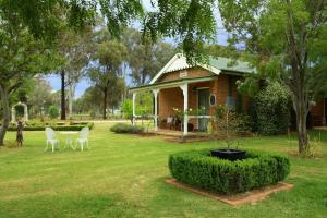 Old School House B&B Mudgee, Country houses  Mudgee - big - 1
