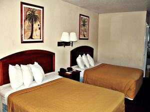 Super 8 by Wyndham San Antonio at I-10, Motel  San Antonio - big - 11