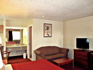 Super 8 by Wyndham San Antonio at I-10, Motel  San Antonio - big - 19