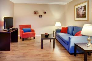 Travelodge Sudbury, Hotely  Sudbury - big - 12