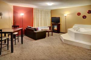Travelodge Sudbury, Hotely  Sudbury - big - 17