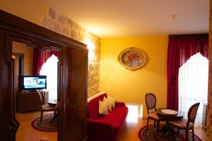 Hotel Pasike, Отели  Трогир - big - 55