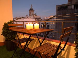 One-Bedroom Apartment with Terrace - Rambla Catalunya