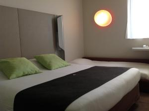 Superior Triple Room - 1 Double Bed & 1 Single Bed