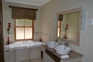 Berluda Farmhouse and Cottages, Ferienwohnungen  Oudtshoorn - big - 5