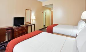 Holiday Inn Express Marshfield - Springfield Area, Hotels  Marshfield - big - 7