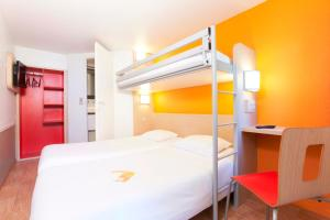 Premiere Classe Caen Est - Mondeville, Hotely  Mondeville - big - 1