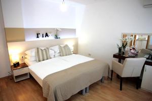 Rooms & Apartments Henrik (Zagreb)