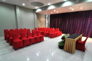 Quest Hotel Semarang, Отели  Семаранг - big - 25