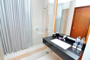 Quest Hotel Semarang, Отели  Семаранг - big - 5