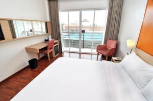 Quest Hotel Semarang, Отели  Семаранг - big - 4