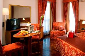 Excel Hotel Roma Ciampino, Hotely  Marino - big - 14
