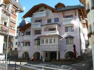 Ciasa Mancin Suite-Apartments - AbcAlberghi.com