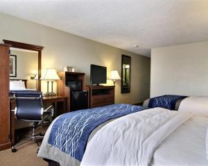 Queen Room with Two Queen Beds - Top Floor