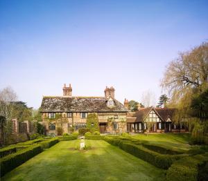 Langshott Manor (10 of 33)
