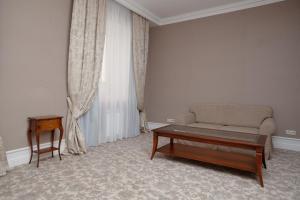 Business club hotel RAZUMOVSKY, Szállodák  Omszk - big - 24