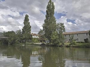 Logis Auberge De La Riviere