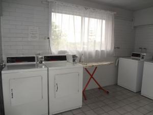 Adina Place Motel Apartments, Residence  Launceston - big - 49