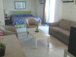 Hotel Bienvenido, Отели  Хосе-Кардель - big - 16