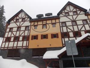 Javor Apartmán, Ferienwohnungen  Pec pod Sněžkou - big - 1