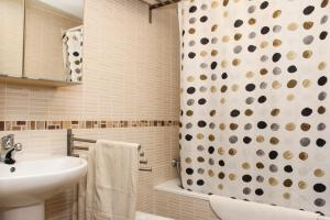 Apartamentos Calle José, Appartamenti  Madrid - big - 14
