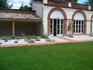 La Maison, Bed & Breakfasts  Toulouse - big - 3