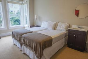 Twin Room with Two Twin Beds with Shared Bathroom