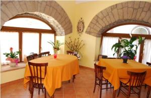 Conte Spencer, Bed and Breakfasts  Casertavecchia - big - 7