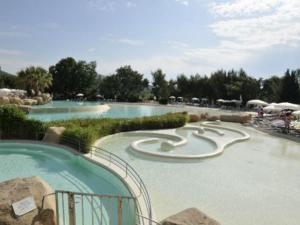 T2 Les Restanques de St Tropez, Апартаменты  Гримо - big - 6