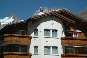 Haus Alpenglück, Apartmanok  Saas-Fee - big - 7