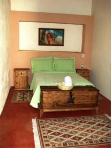 Double Room with Shared Bathroom (Bathroom outside of the room)