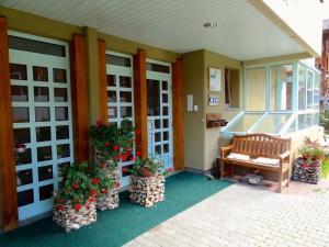 Hotel Ahorni, Отели  Обервальд - big - 20