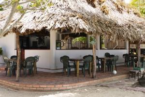 Green Parrot Beach Houses and Resort, Lodge  Maya Beach - big - 61
