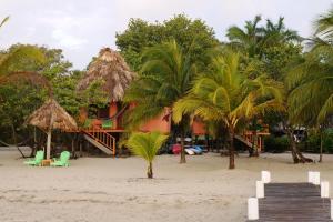 Green Parrot Beach Houses and Resort, Lodge  Maya Beach - big - 58