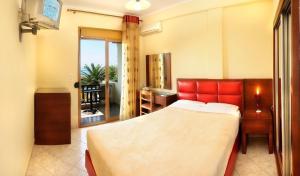 Vergos Hotel, Апарт-отели  Вурвуру - big - 36