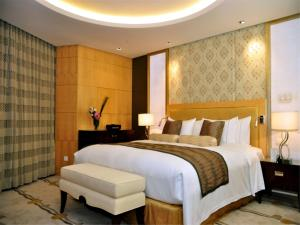 Kunlun Club Double Room