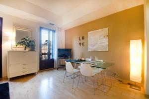 Friendly Rentals Deluxe Paseo de Gracia, Апартаменты  Барселона - big - 3