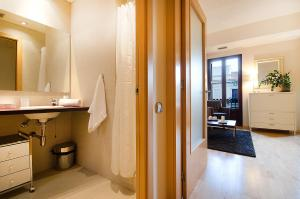 Friendly Rentals Deluxe Paseo de Gracia, Apartmány  Barcelona - big - 17