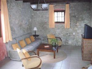 Can Mas, Загородные дома  Сант-Педро-Пескадор - big - 17