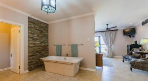 Meander Manor, Guest houses  Ballito - big - 14