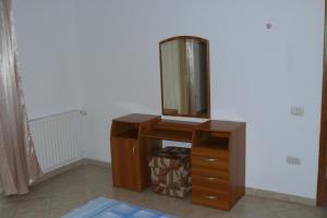 9 Suites ApartHotel, Aparthotels  Braşov - big - 3