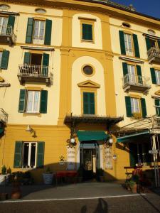 Hotel Olivedo, Hotel  Varenna - big - 79
