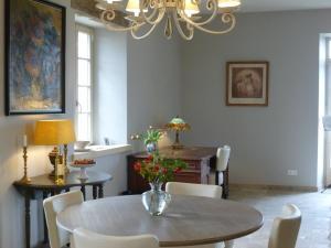 La Maison Forte, Bed & Breakfast  Montaut - big - 33