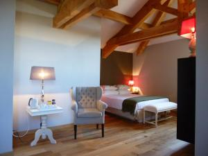 La Maison Forte, Bed & Breakfast  Montaut - big - 31