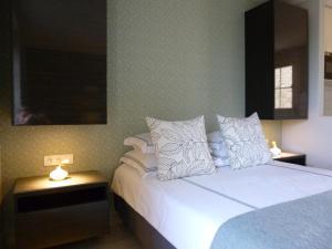 La Maison Forte, Bed & Breakfast  Montaut - big - 6