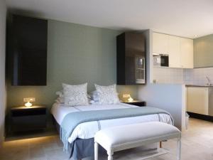 La Maison Forte, Bed & Breakfast  Montaut - big - 23