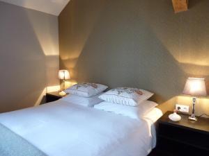 La Maison Forte, Bed & Breakfast  Montaut - big - 4